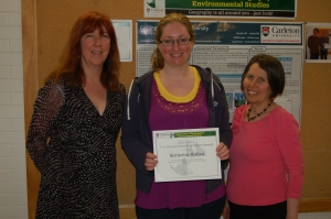 Kate Cullen with DGES Grad Supervisor Fran Klodawsky (r) and grad program administrator Natalie Pressburger (l).